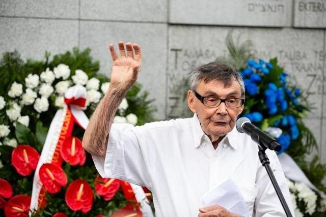 - Nie bądźcie obojętni, kiedy widzicie kłamstwa historyczne - mówił ocalony Marian Turski.