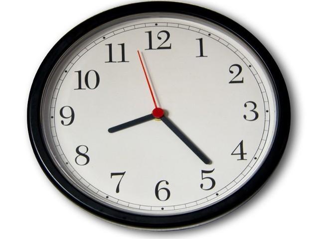 Z soboty na niedzielę (29/30 października) zmieniamy czas z letniego na zimowy.