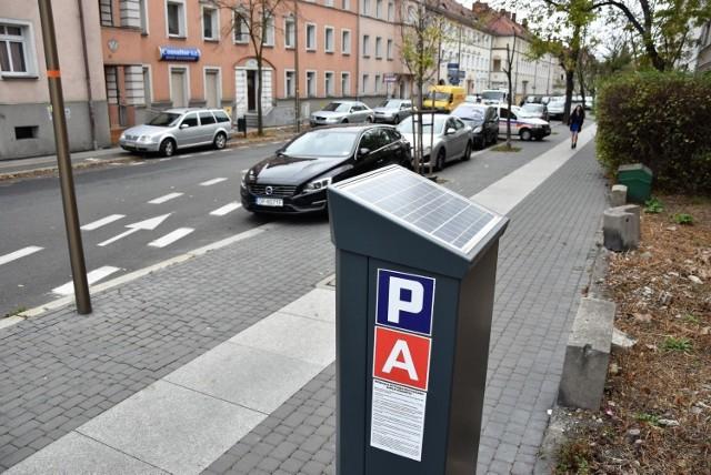 Opole. Na terenie miasta będą trzy tysiące czujników parkingowych. Rozpoczęto instalację. Gdzie się pojawią?