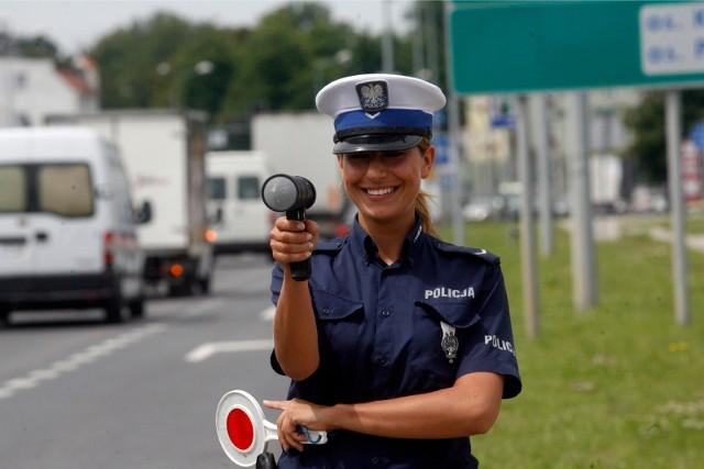 Z okazji Dnia kobiet przejrzeliśmy nasze archiwum  i wybraliśmy zdjęcia najpiękniejszych policjantek.