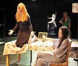 Recenzja - Teatr Studyjny: Kilkanaście postaci o krok przed aktorską osobowością