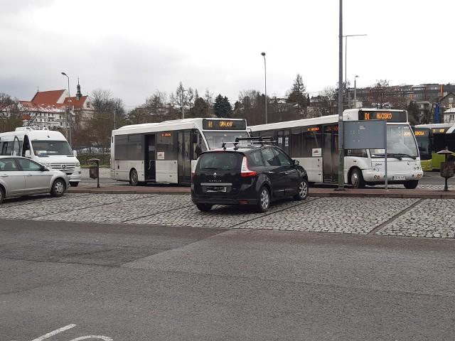 Od kwietnia 2021 Autobusowe Linie Dowozowe obsługuje nowy przewoźnik. Są skargi od pasażerów