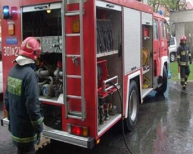 Strażacy mieli pełne ręce roboty. na szczęście jednak w żadnym z trzech pożarów nikt nie ucierpiał.