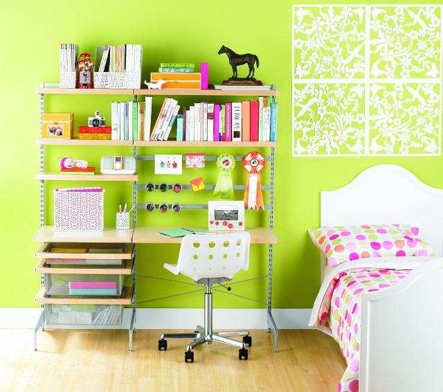 Biurko w pokoju dzieckaStwórz dziecku przestrzeń do nauki, która będzie dobrze zorganizowana.