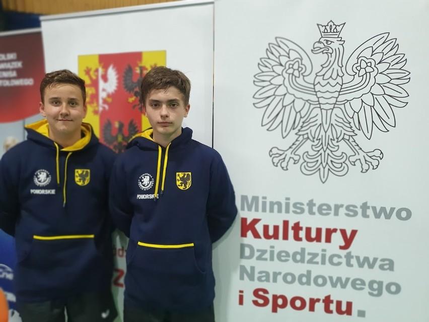 Zawodnicy UKS Junior Miastko reprezentowali drużynowo...