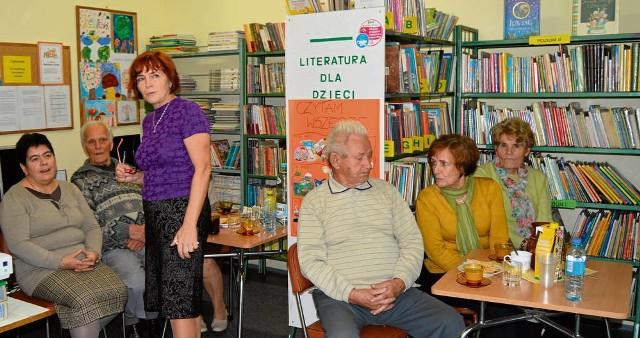 """Filie biblioteki poza wypożyczaniem książek prowadzą także zajęcia dla dzieci i dla seniorów, m.in. warsztaty """"E-motywacja"""""""