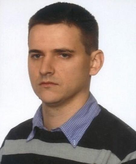 31-letni białostoczanin zaginął 1 czerwca. Z domu przy ulicy Swobodnej wyszedł około godziny 11.00 i do tej pory nie nawiązał kontaktu z rodziną
