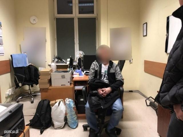 28-letni mężczyzna z 15-latkiem szwajcarskie serwisy randkowe