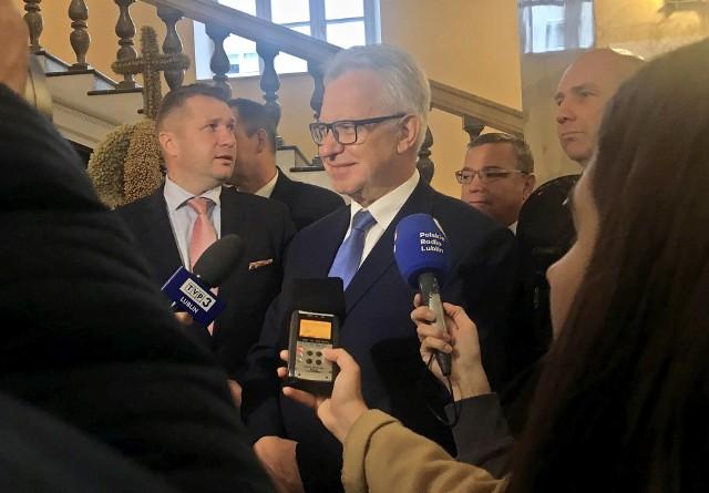 Wiceminister rodziny, pracy i polityki społecznej Krzysztof Michałkiewicz w Urzędzie Wojewódzkim w Lublinie