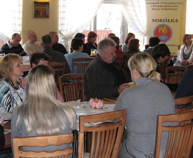 W spotkaniu z inspektorem Państwowej Inspekcji Pracy wzięło udział ponad czterdziestu sokólskich przedsiębiorców.