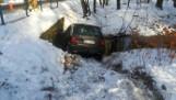 Wypadek w Radomierowicach. Mercedes wjechał do rzeki. Jak do tego doszło?