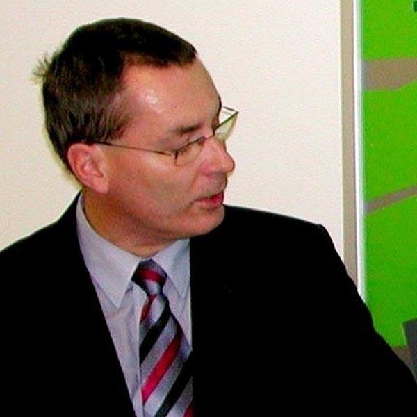 Jacek Nowicki, były prezes MZK stanął po stronie przeciwników prezydenta i stracił stanowisko.