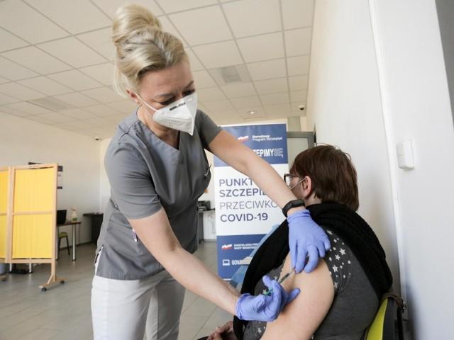 - Realizujemy plan przyspieszania w drugim kwartale - mówił o programie szczepień Michał Dworczyk