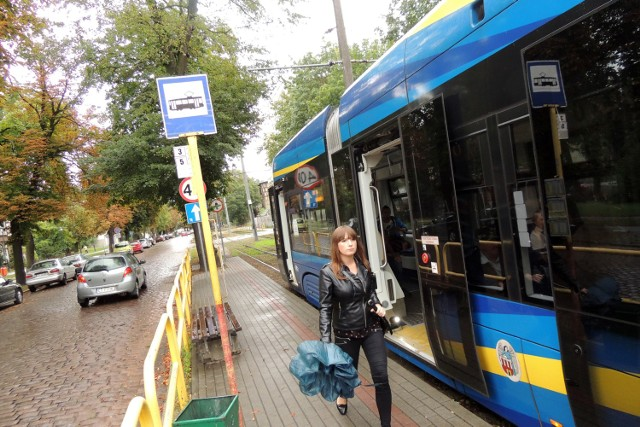 Każdy z wariantów nowej linii tramwajowej w Toruniu zakłada przebudowę alei św. Jana Pawła II i odcinka Wałów gen. Sikorskiego (do tejże alei do al. Solidarności).