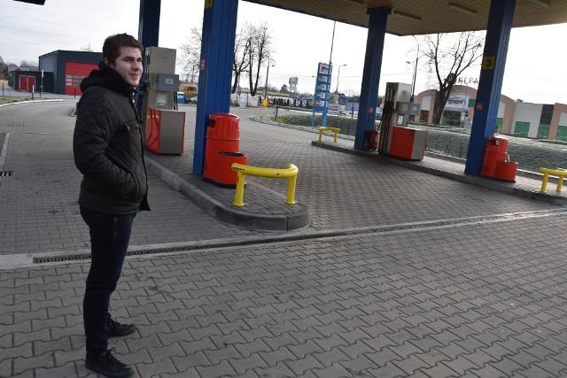 Po zamknięciu mostu na Dunajcu ruch na stacji paliw w Kępie Bogumiłowickiej spadł dramatycznie