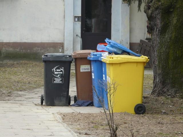 W Pabianicach działać będzie specjalna aplikacja, która znajdzie nieprawidłowości w deklaracjach śmieciowych. Miasto skorzysta z aplikacji stworzonej na zlecenie Świdnika. CZYTAJ DALEJ NA KOLEJNYM SLAJDZIE>>>>