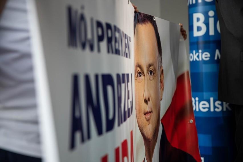 """Wybory prezydenckie 2020. Komisja Kultury grozi palcem TVP. """"Promocja jednego kandydata i zachwianie proporcji"""""""
