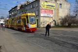 """""""Piątka"""" od soboty pojedzie inaczej. Na skrzyżowaniu Kilińskiego i Przybyszewskiego będą naprawiać tory przed... remontem"""