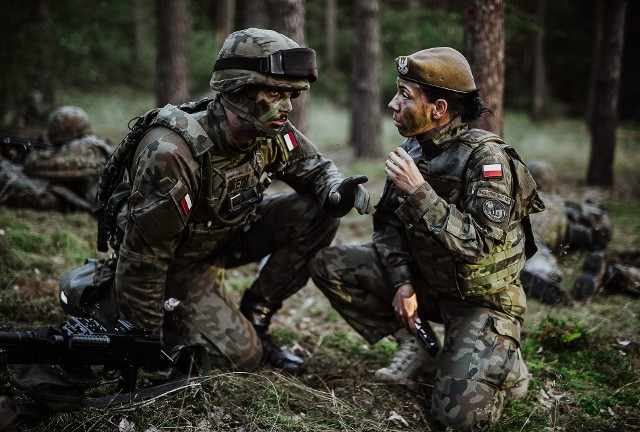 Każda osoba zainteresowana służbą w Wojskach Obrony Terytorialnej może skontaktować się z rekruterami telefonicznie.