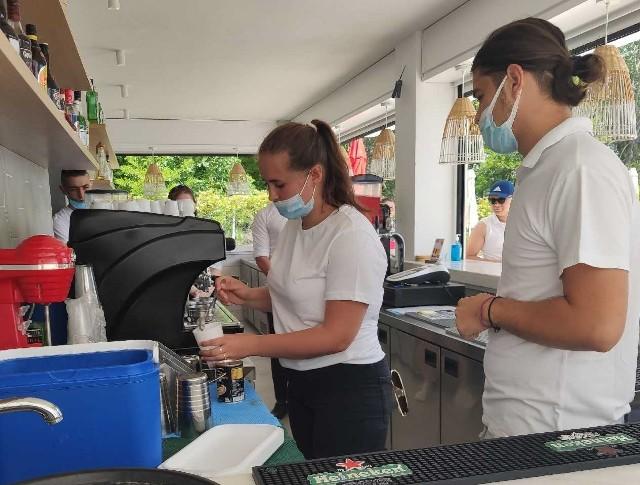 Uczniowie uczyli się w Grecji w realnych warunkach pracy: w hotelu - recepcji, restauracji, kuchni i pool barze.