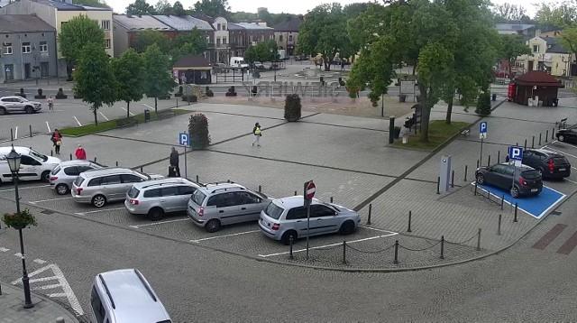 Strefa płatnego parkowania na rynku w Siewierzu zostaje, ale za pozostawienie tu samochodu zapłacimy znacznie mniej niż dotychczas Zobacz kolejne zdjęcia/plansze. Przesuwaj zdjęcia w prawo - naciśnij strzałkę lub przycisk NASTĘPNE