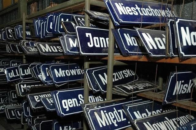 Zobaczcie, skąd się wzięły najciekawsze naszym zdaniem nazwy ulic w Poznaniu. Przejdź do kolejnego zdjęcia --->
