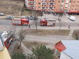Pożar w bloku przy Boboli w Białymstoku. Zapaliła się instalacja elektryczna (zdjęcia)