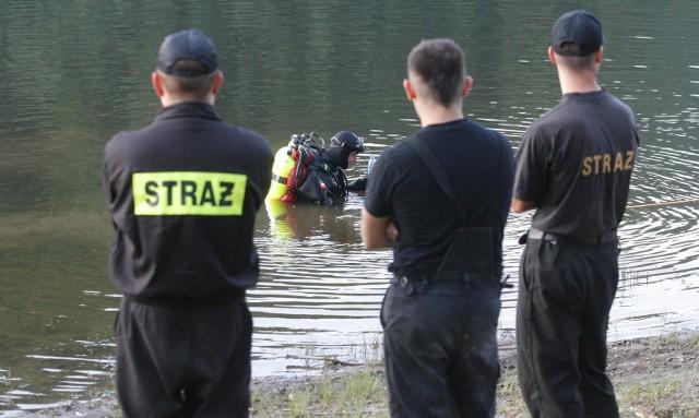 Strażacy odnaleźli topielca w wyrobisku po dawnej żwirowni w Rokitkach pod Legnicą. Zdjęcie ilustracyjne