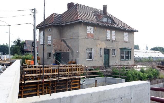 Po raz kolejny została przesunięty termin przesuwania willi Grüneberga, która stoi przy trasie szybkiego tramwaju.