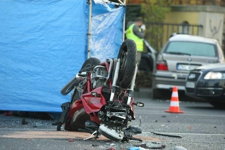 Październik, ul. Krakowska - śmietrelny wypadek z udziałem...