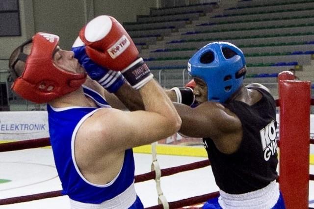 Przegrany pojedynek Arkadiusza Kordka (na zdjęciu) z Niedźwiadków Przemyśl była jedną z przyczyn końcowego blamażu naszej reprezentacji.