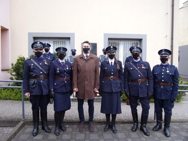 Rekonstruktorzy policyjni z Radomia wraz z prezesem łódzkiej Rodziny Policyjnej, brali udział w uroczystościach w Czarnocinie.