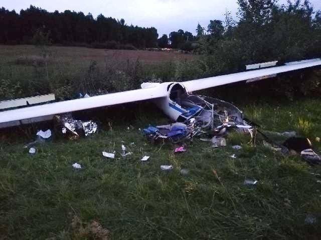 Zniszczony szybowiec po lipcowym wypadku w Laszkach.