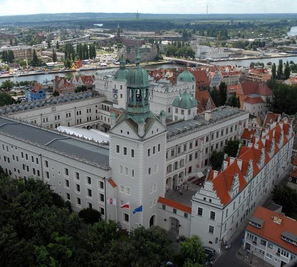 Szczecin ma doskonałe zaplecze, by być nie tylko regionalną, ale także europejską stolicą kultury. Jak dotąd nikt tego potencjału nie potrafi jednak wykorzystać.