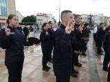 Uczniowie klas mundurowych Zakładu Doskonalenia Zawodowego w Radomiu ślubowali na placu Jagiellońskim