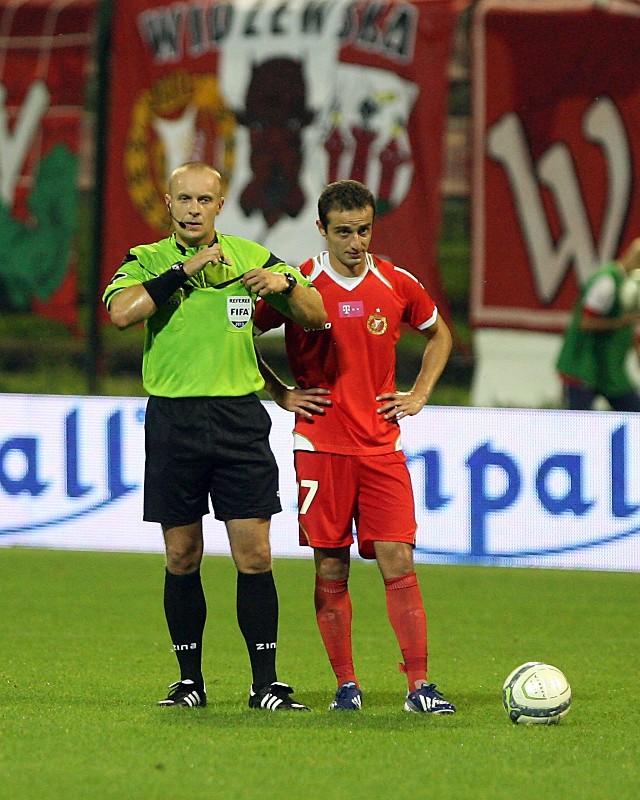 Lewon Hajrapetjan (z prawej) występuje w podstawowym składzie reprezentacji Armenii