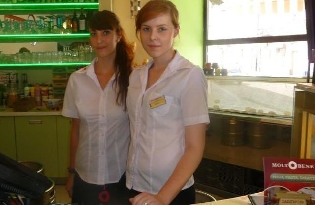 - W taki upał ruch jest znacznie większy. Dla ochłody klienci najczęściej wybierają lody, choć wielu też kupuje piwo – powiedziały nam Sylwia Pocheć i Klaudia Chmiel, które pracują w restauracji Moltobene w Kielcach.
