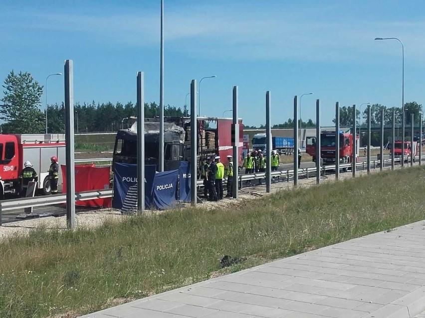Szumowo: Tragiczny wypadek na DK8. Trzy osoby zginęły
