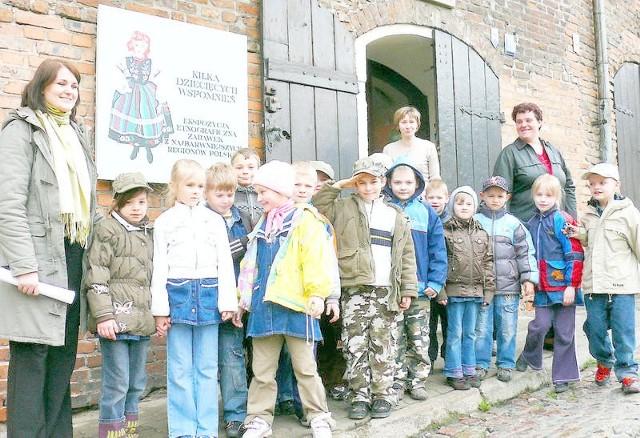 Z okazji Międzynarodowego Dnia Ochrony Zabytków wczoraj można było bezpłatnie zwiedzać grudziądzkie Muzeum. Progi czterech gmachów placówki przekroczyło łącznie 800 zwiedzających, a wśród nich pierwszaki ze Szkoły Podstawowej nr 5 z wychowawczynią Agnieszką Lewandowską