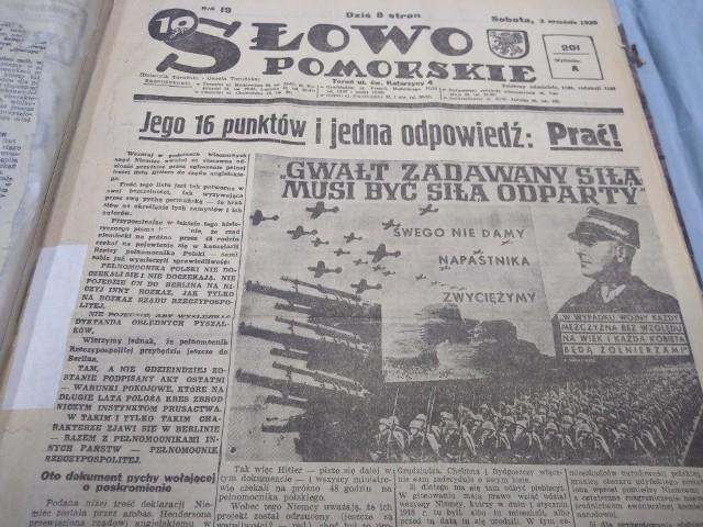 """Okładka pierwszego wojennego numeru """"Słowa Pomorskiego"""" z 2 września 1939 roku. Jest to zarazem przedostatnie wydanie gazety"""