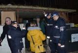 Akcja liczenia bezdomnych w Gdańsku. Służby w nocy 13/14.02.2019 r. sprawdzały pustostany, altanki, bocznice kolejowe [zdjęcia]