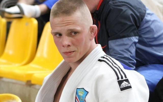 Mateusz Garbacz, judoka Żaka KielceMa 22lata. Jest wychowankiem Żaka Kielce. W 2017 roku wywalczył wicemistrzostwo Polski seniorów w kategorii do 73 kg.  To jego  pierwszy medal w tej kategorii wiekowej, wcześniej regularnie stawał na podium w kategoriach młodzieżowych. Startował też na mistrzostwach Europy seniorów w drużynie i mistrzostwach Europy młodzieżowców. Głosuj, wysyłając SMS na numer 72355, wpisując w treści: zm.8