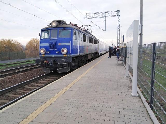 Na przystanku Inowrocław Rąbinek nadal będzie się zatrzymywać tylko jedna para pociągów w relacji Poznań - Warszawa i Warszawa - Poznań