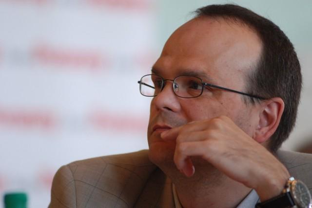 profesor Robert Ciborowski, dziekan wydziału ekonomii UwB