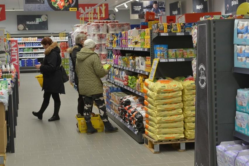 Kobieta kradła czekoladę w marketach