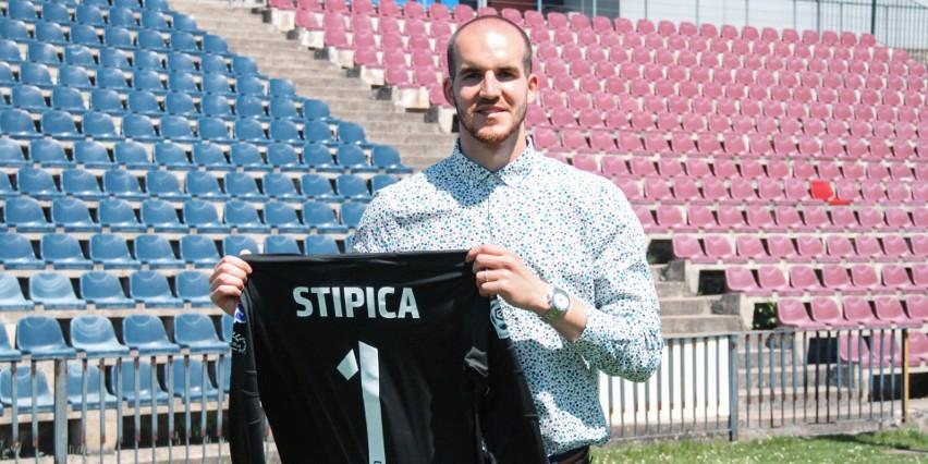 Dante Stipica z Pogoni Szczecin.