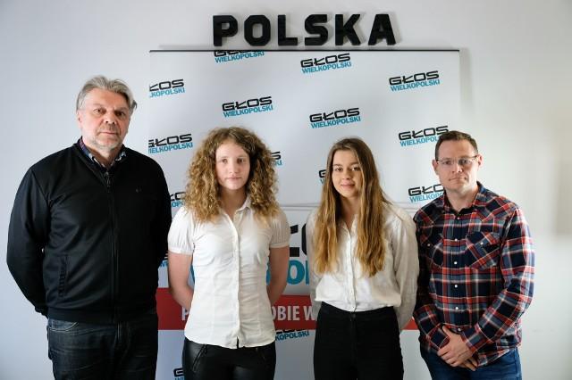 """Od lewej: Adam Pawłowski, redaktor naczelny """"Głosu Wielkopolskiego"""", Wiktoria Celmer (III miejsce w Amatorze), Sonia Ajtner (III miejsce w Nadziejach), Damian Witkowski (II miejsce w Amatorze)"""