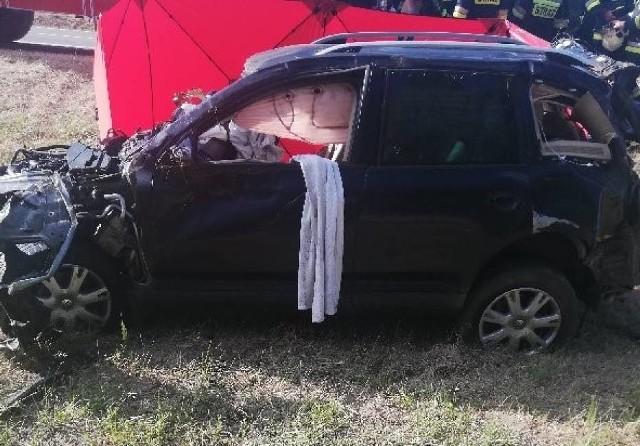 Jedna osoba zginęła a dwoje dzieci zostało rannych w wypadku, do którego doszło w środę po południu na autostradzie A2.