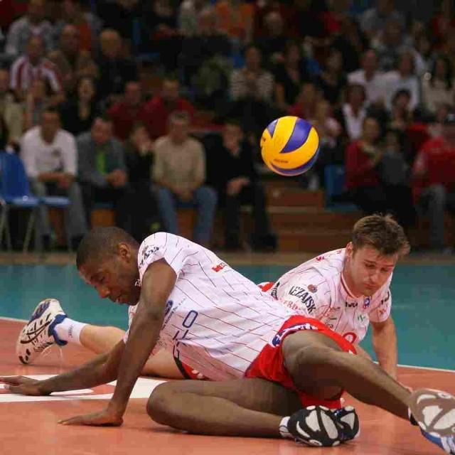 Resovia przegrała z ZAKSĄ 2-3.