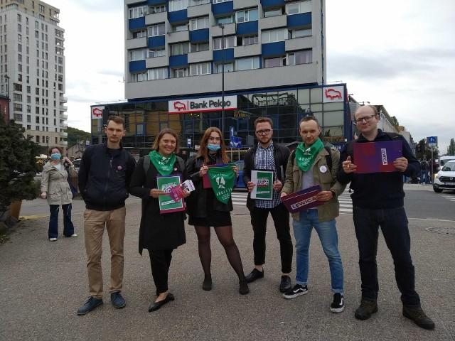 W Gdańsku zbierali podpisy pod ustawą proaborcyjną. Projekt poparło już kilkadziesiąt tysięcy osób